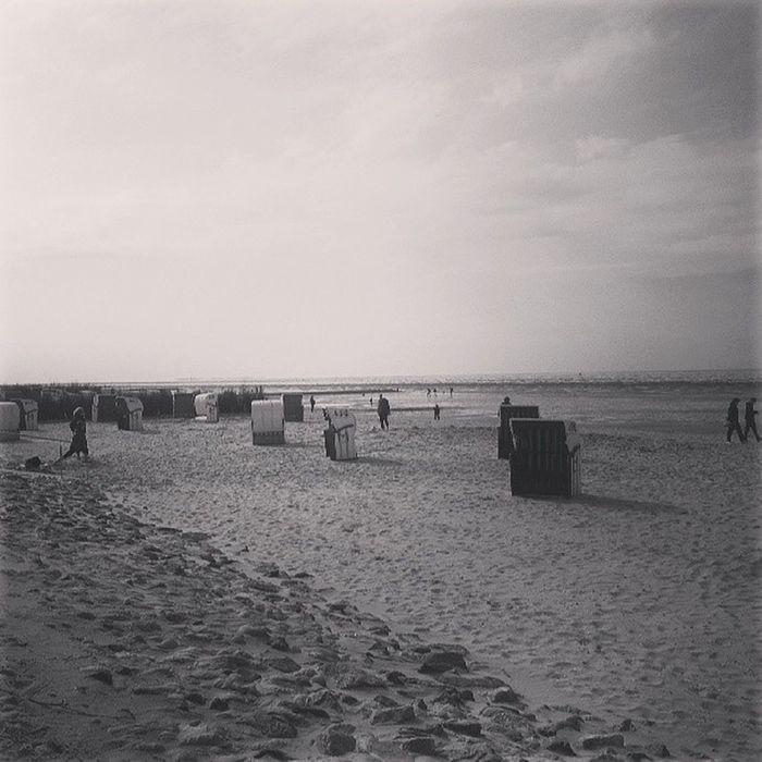 Im Hintergrund Neuwerk -Beach Cux