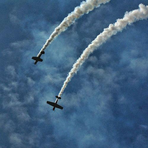 Airshow Airplane Flying Sky Air Vehicle Speed Blue Aerobatics Mid-air Teamwork Performance Smoke - Physical Structure Day Vapor Trail Albert Docks Stunt Arial Display Loop The Loop