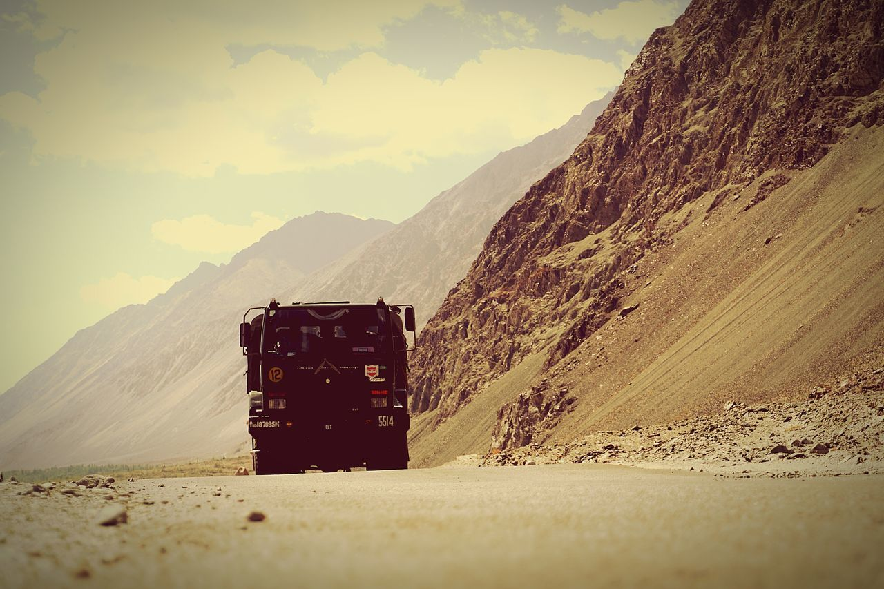 Leh Ladakh.. Roughntough Beautifulroads IndianArmedforces Pride Beingindian