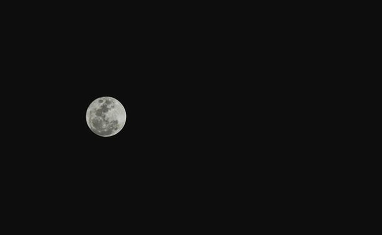 I will never be a morning person. For the moon and I, are much too in love. - Christopher Poindexter. AIDSventure AsankaAids Fullmoon Moon Luna Moonphotography Buwanngkabilugan Inlove