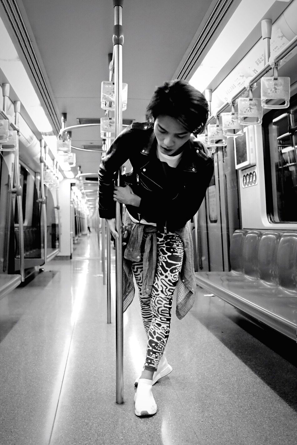 Real People Train - Vehicle One Person Young Adult Lifestyles The Week On Eyem Blackandwhite Black And White Black & White Blackandwhite Photography Black And White Photography Black&white Blackandwhitephotography Black And White Collection  People People Watching People Photography Peoplephotography Dancer EyeEmNewHere Black And White Collection  People Of EyeEm Fashion Subway Train Standing