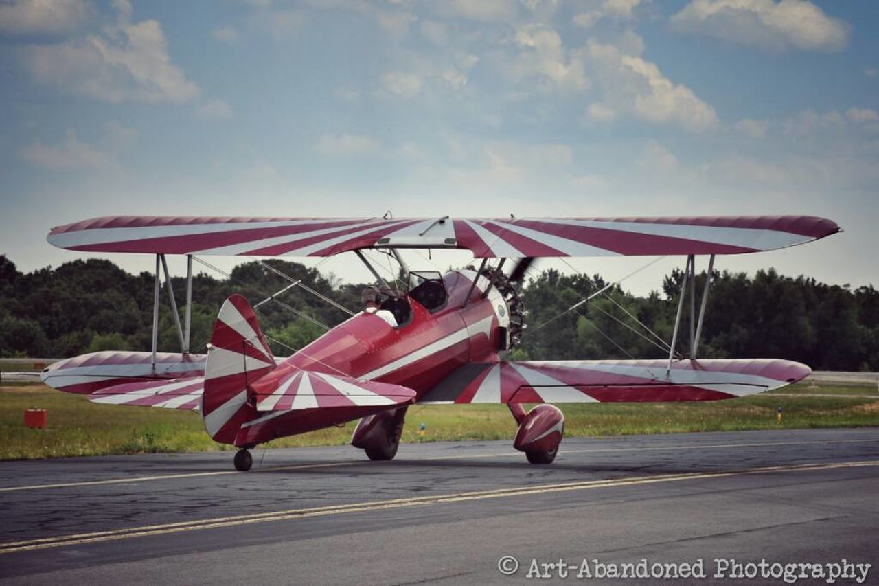 Taking Photos Check This Out Little Rock, Arkansas Airshow Wings Over The Rock 2016 Little Rock Municipal Airport Antiquated Technology Color Photography Biplane Little Rock Check This Out