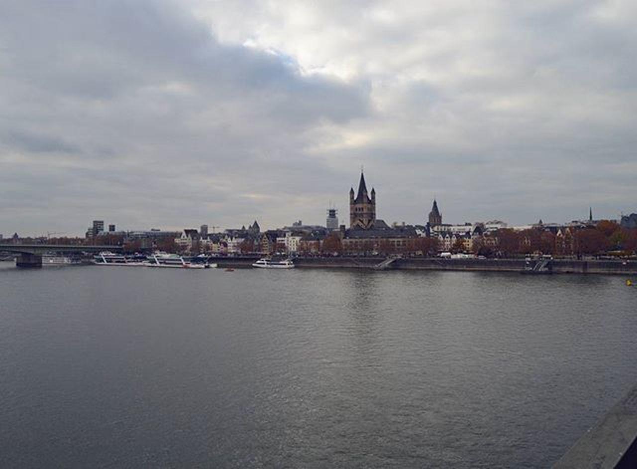 Latergram из Кёльна Stmartin Rhein Karneval Karnevalinköln Köln Cologne Nordrheinwestfallen NRW Germany Deutschland Europe