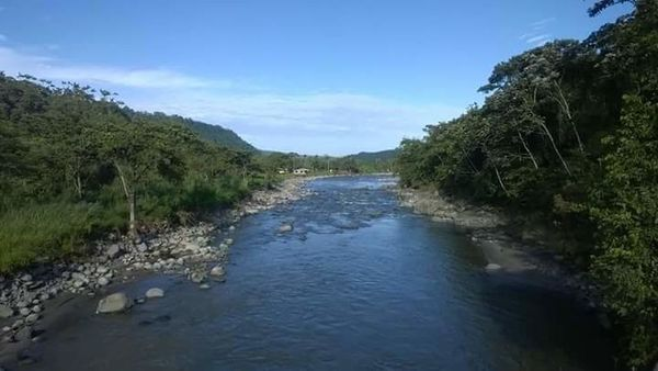 Río Blanco, En La Vía Los Bancos — Santo Domingo