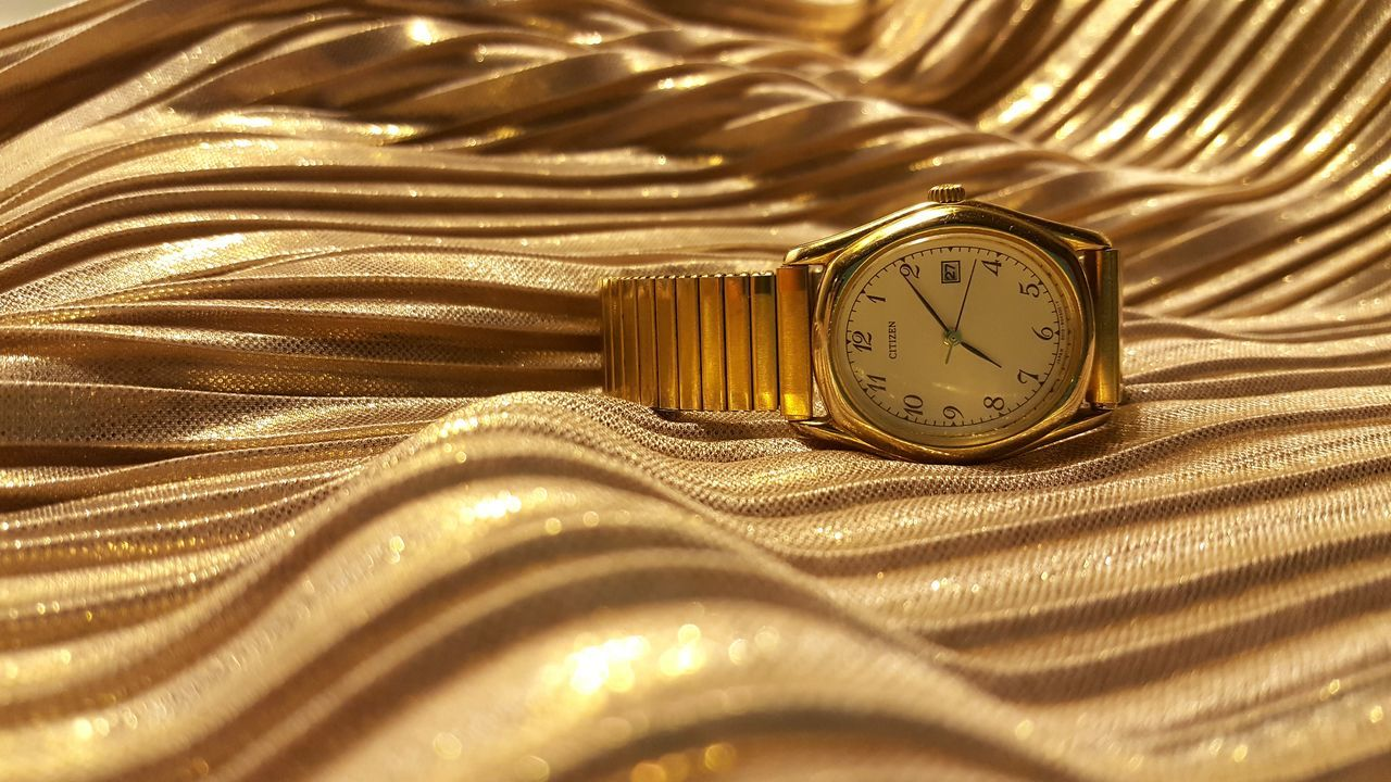 43 Golden Moments Goldwatch Citizenwatches Check This Out Samsung Galaxy S6 Samsungphotography