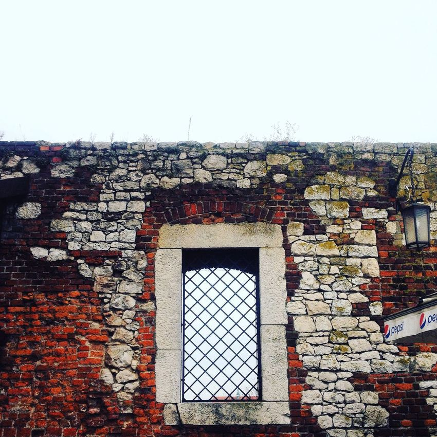 Learn & Shoot: Simplicity Wall Castle Window Poland Popular Photos Ladyphotographerofthemonth Old Buildings Monument 🏰