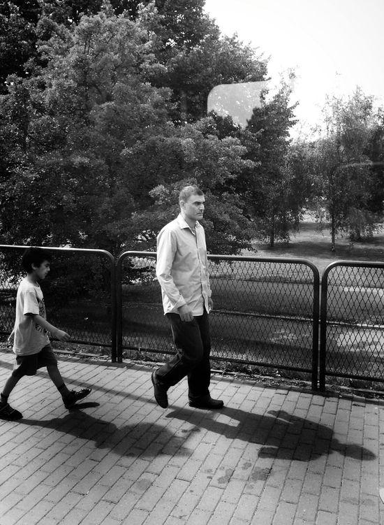 Follow the leader Streetphotography Street Life Summer Guys Blackandwhite