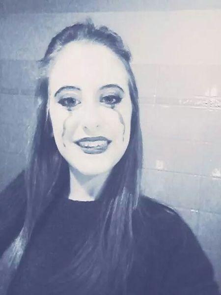 Non lasciare che quelle lacrime ti abbattano. Be happy and smile! Love ♥ Photo Picoftheday Smile Happy Pierrot Maschere