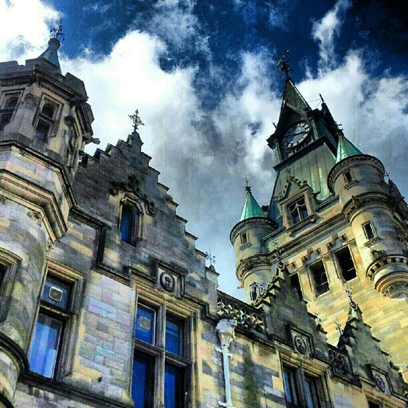 'The Registry' Dunfermline Fife  Scotland Igscotland haggismunchers Gothic Registry Architecture Buildings Turrets Stone Cloudporn skyporn skypainters instamob instahub picoftheday bestoftheday primeshots