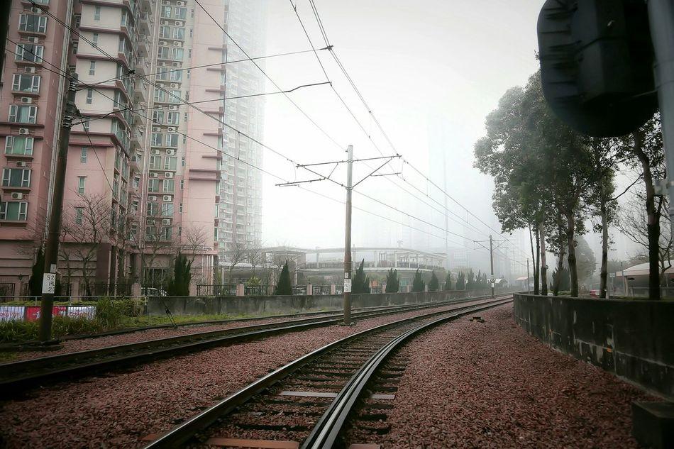魔域 - Devildom Foggy Foggy Landscape Foggyweather Foggy Days  Foggy Afternoon Foggy Rail Devildom Rails With A Twist Railways Hong Kong Urban Spring Fever