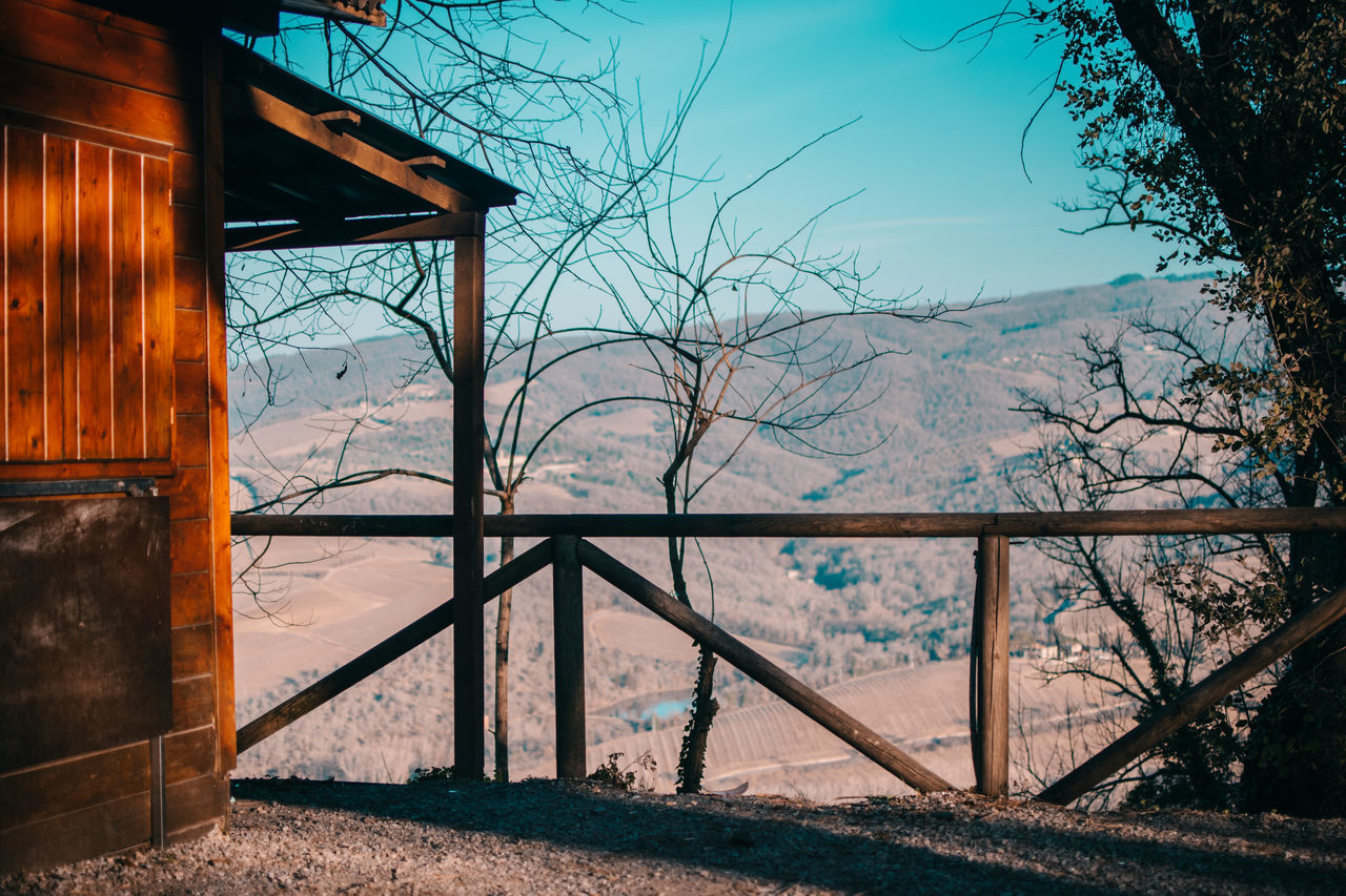 Amazing View Bestoftheday Betterlandscapes Brown Cabin Colorful Countryside Florence Fog Green Color Horizon Italy Landscape Landscape_Collection Landscape_photography Nature Nature Photography Nature_collection Outdoor Photography Outdoors Sunshine Travel Trees Tuscany Wonderful