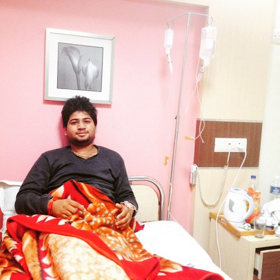 Foodpoison Vomiting Daireha Life Become Hell Now Better Finally Dischargedfromhospital After3dayz Huh Sukdev :/ Dhaba :/