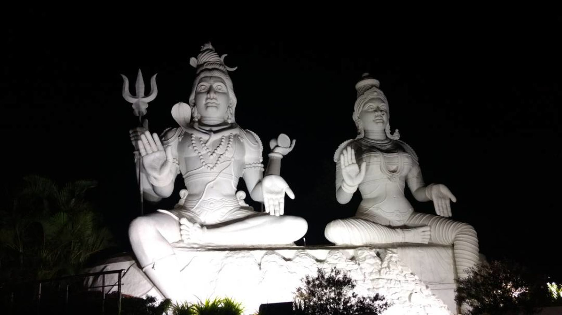 Night photography. Sculpture Divine Beauty Shivshakti Kailashgiri
