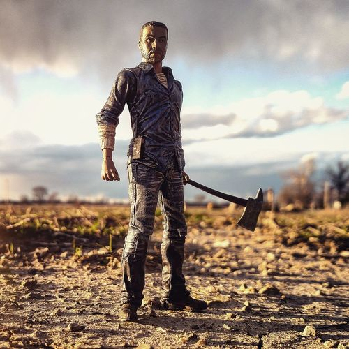 Walkingdead Lee Skybound Toy Photography
