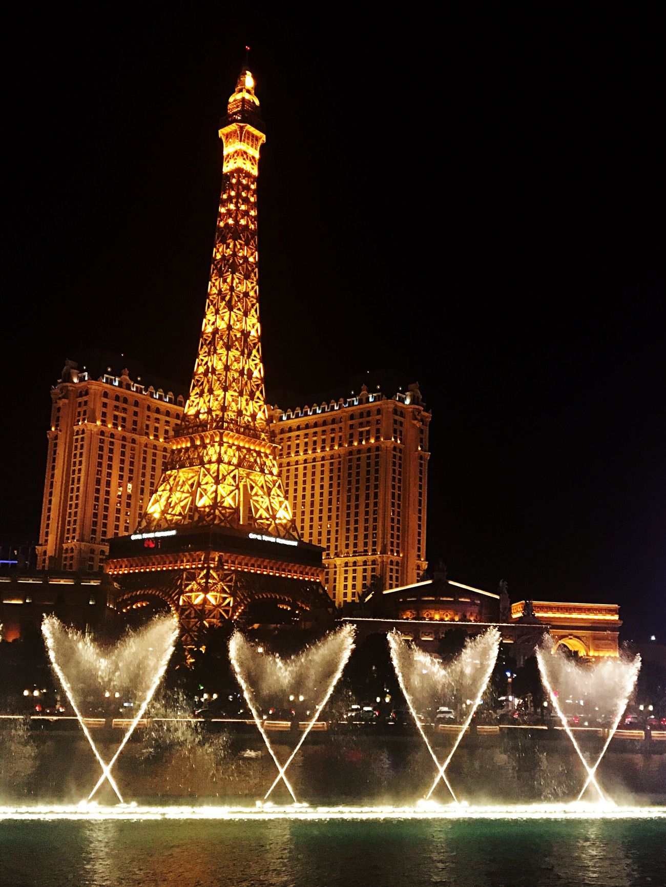 43 Golden Moments ❤️ Bellagio Fountains in front of Paris Las Vegas Las Vegas Eiffel Tower Golden Moments