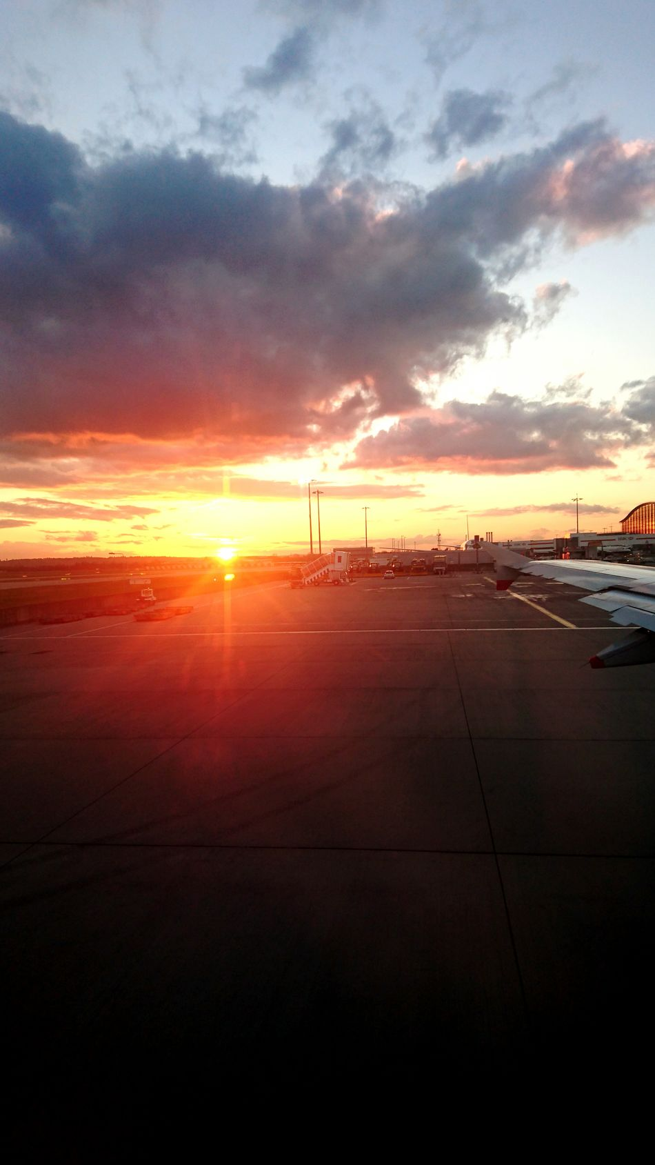 Sunset Heathrow Airport Terminal 5 Enf Of A Journey Travel Is Life Travel Good Memories