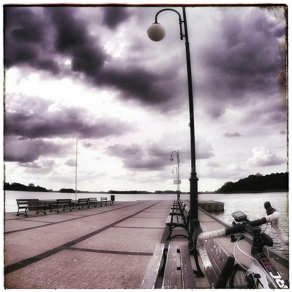 Lake Jezioro Molo Rower Bicycle Bike Roadbike Szosa Lamp Lantern Water Lawka Clouds Clouds And Sky Storm Cloudporn