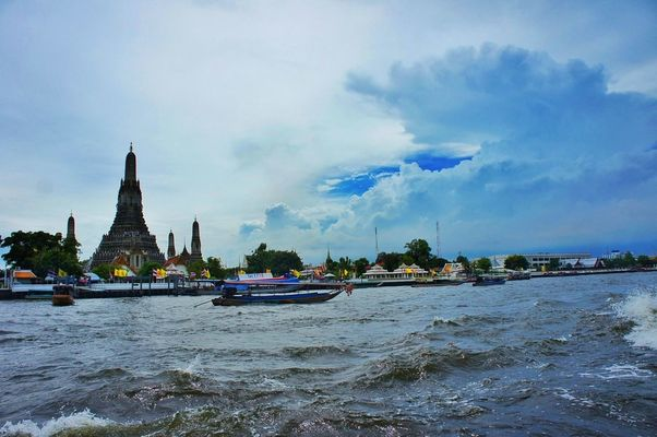 Chaophaya River in Bangkok by Nok