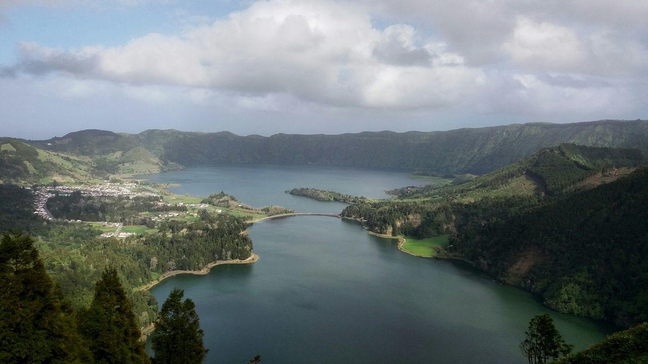 Lagoa Das Sete Cidades Azores S. Miguel , Açores S. Miguel Island Lagon Lake Travel Destinations Nature Landscape Reflection Water Mountain EyeEmNewHere