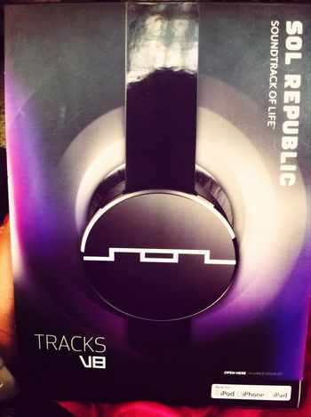 Thnks sweety :D I love you Sol Republic Headphones + IPhone Music I'm so happy whit you <3