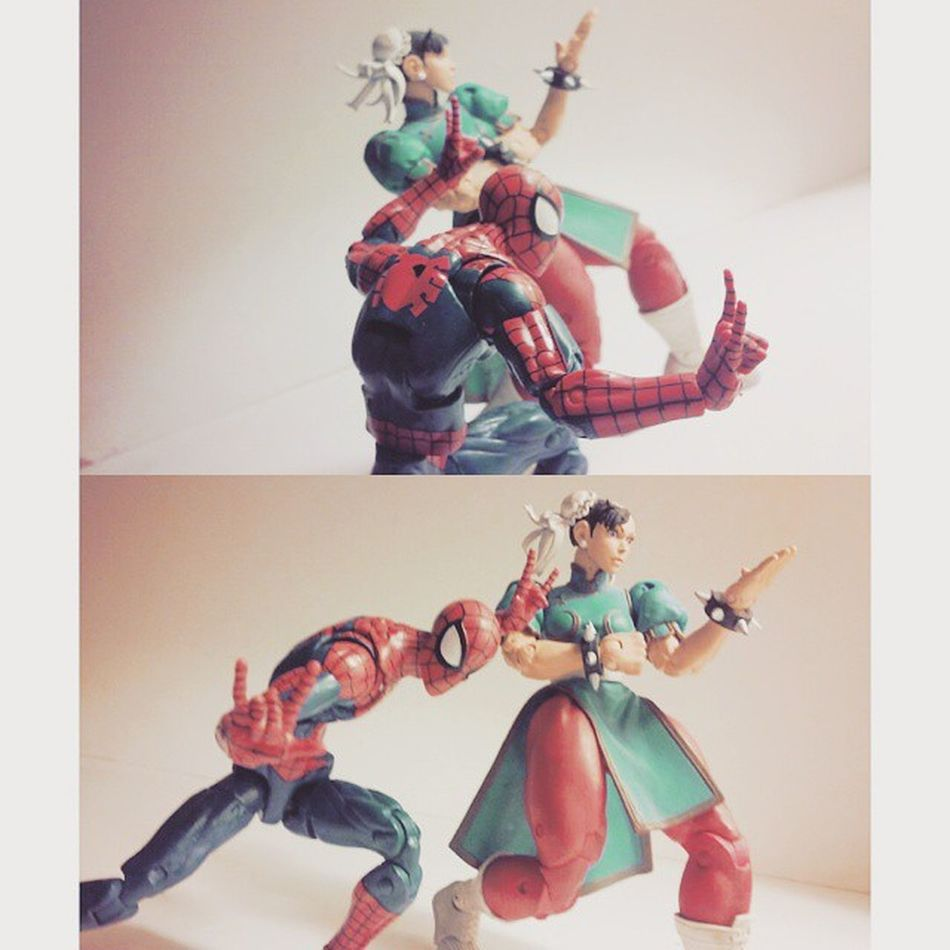 Wanted to recreate theyre fighting stlye poses from street fighters and Marvel vs capcom xD nothing to speacil but i tried! Marvelfigures Marvellegends Spiderman Webhead Mcu Amazingspiderman MVC Webslinger Nerd CAPCOM MarvelvsCapcom ChunLi Streetfighter Comics Collector Collection Marvel Figurecollection Figurelife Articulatedcomicbook Actionfigures Figures Actionfigurephotography