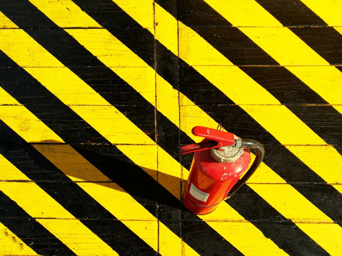 Modern Minimalism Fireextinguisher Blackandyellow Vorsicht Attention