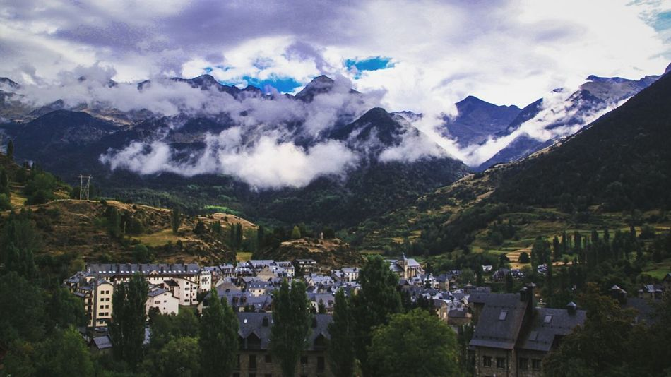Mountain Mountain Range Cloud - Sky High Angle View Building Exterior Cloud Scenics Town Beauty In Nature Majestic Check This Out EyeEm Gallery Sallent De Gallego Sallentdegallego Pirineos Mist Misty Mountains  Misty Landscape Misty Landscapes Landscape