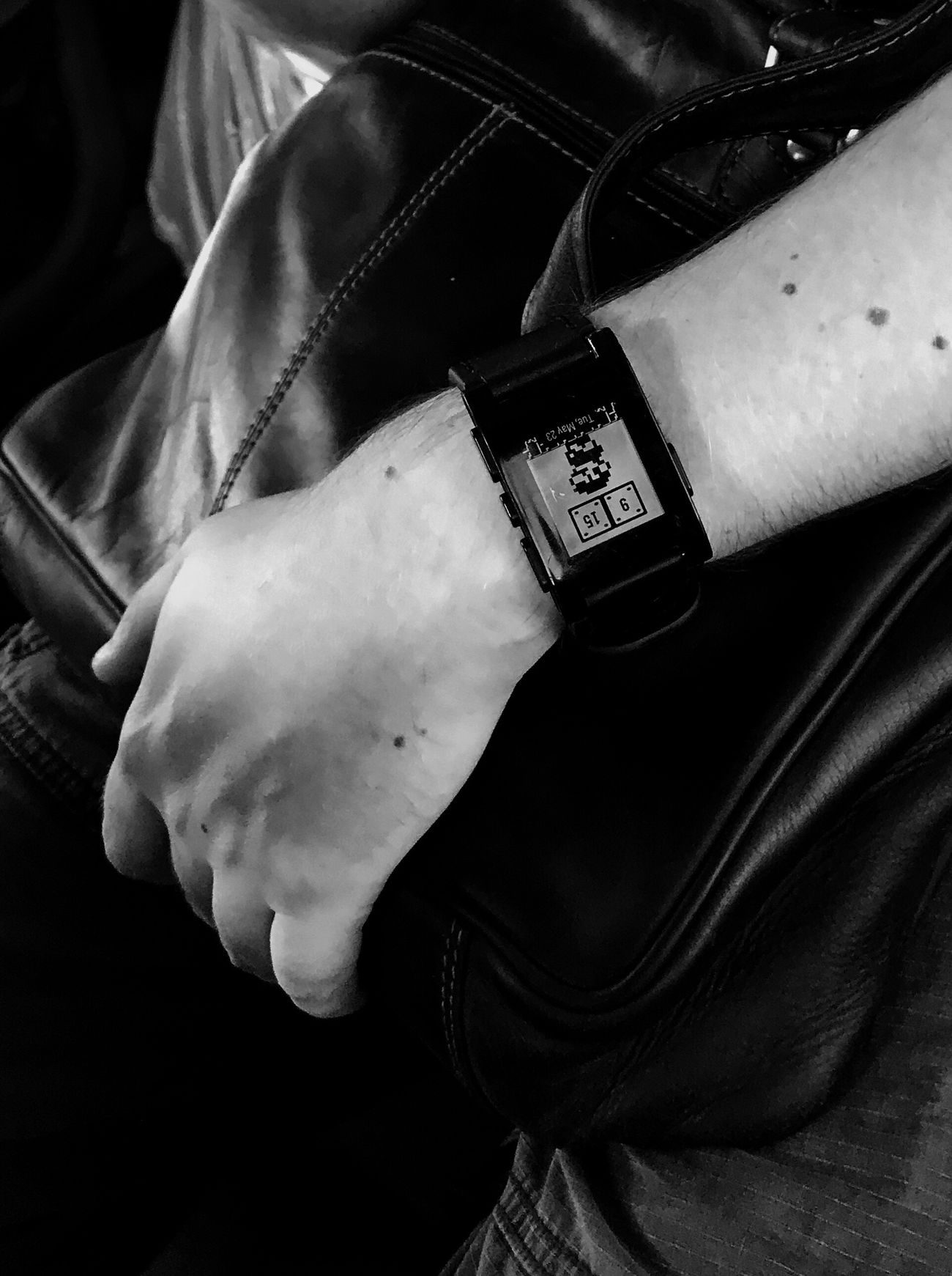 Mario's time Wristwatch Real People Human Body Part One Person Time Human Hand Watch Lifestyles Clock Picoftheday Bnw_collection EyeEm Best Shots - Black + White EyeEm Black Eye4photography  Eye4black&white  NEM Black&white Monochrome Photooftheday Bohemio Look From My Point Of View Street Photography The Street Photographer - 2017 EyeEm Awards Details Of My Life Mario Bros
