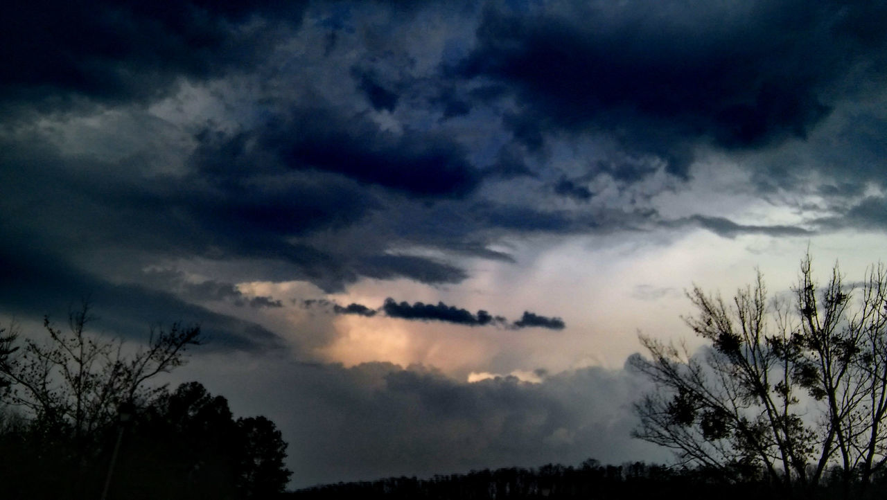 Cloud - Sky Tree Sky Dramatic Sky Cloudscape Storm Cloud Silhouette Nature No People Sunset Outdoors Thunderstorm Beauty In Nature Space Psychic Medium Surrealism Cloudporn Skyporn Occult All Seeing Eye Check This Out Power In Nature Faces In Clouds Light And Shadow Nature Photography