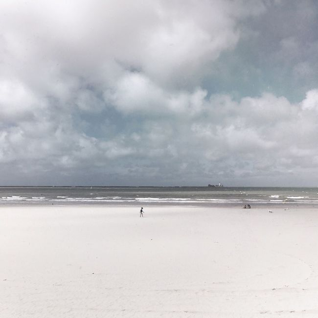 Cloud Vacations Tranquility Alone Minimalism Tranquil Scene Outdoors Sea Landscape Cloud - Sky Seascape