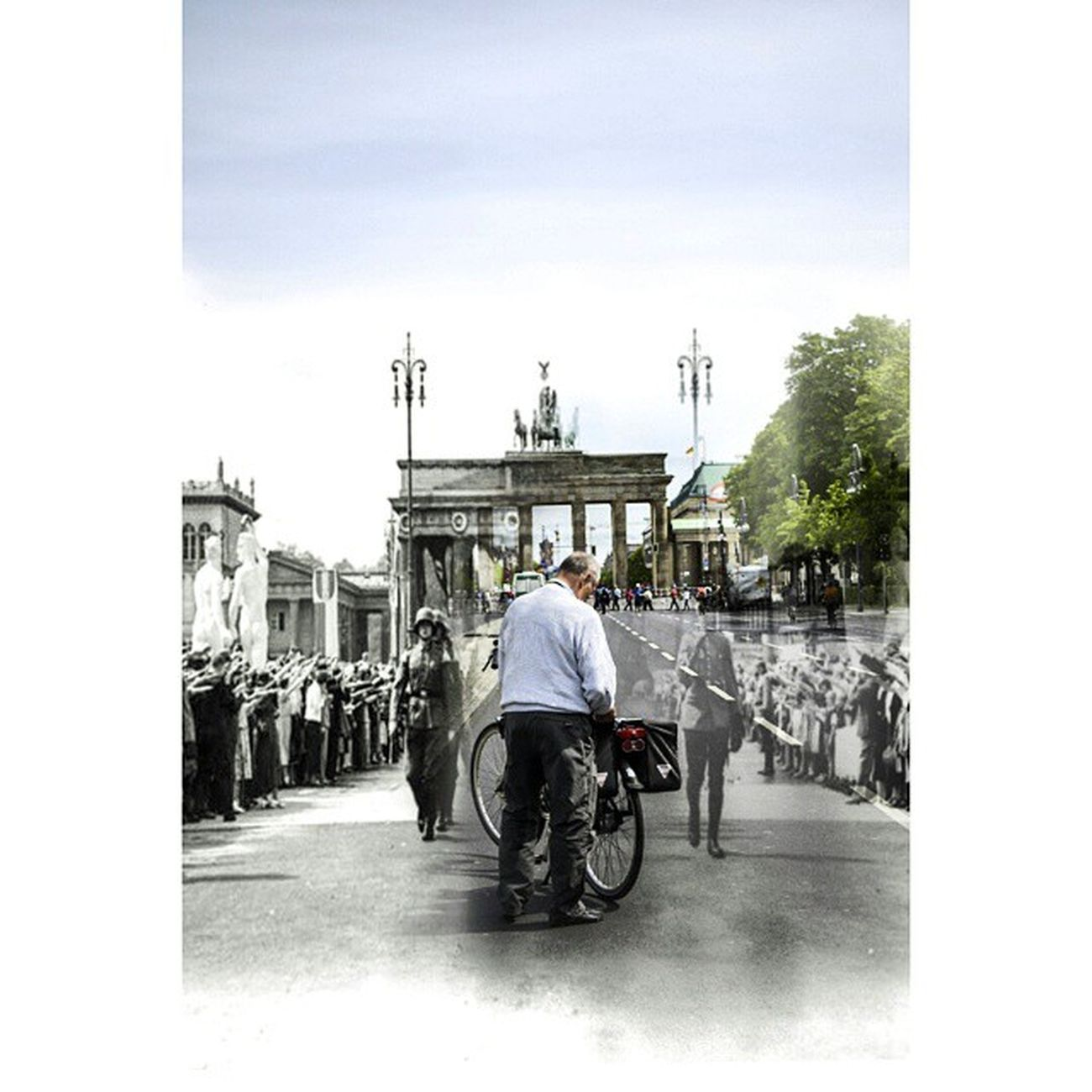 Brandenburg Tor 1936 - 2015 Berlim Berlin Berliner Iloveberlin Branderburgertor War Second Bike