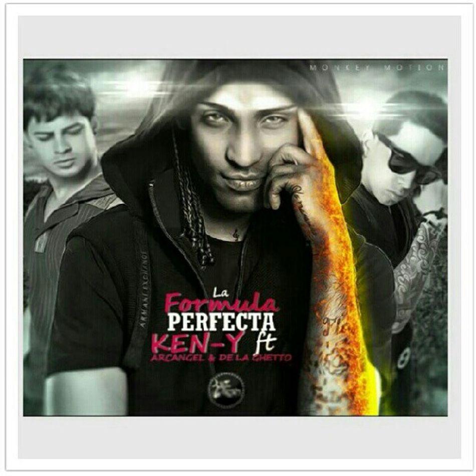 Escuchando la nueva tema de @delaghettoreal @arcangelprrra @ken_y_official Laformulaperfecta Reggaeton  2012 Latinrecords