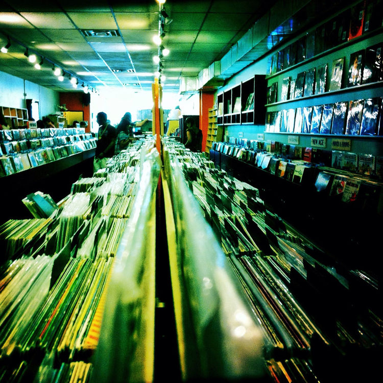 Record shopping by R+Des