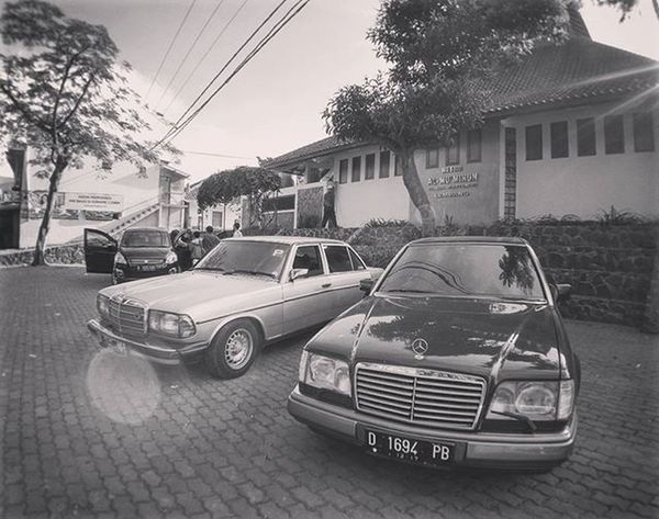 Family Trip Mercedesbenz W124owner W124 W124bandung W124gram W124fanatic W123  Mercedes Sportline Instacars Own_acc Car Carporn Mbcar Iphonesia Instasunda Insta_kaskus Ic_wheels Instago Photo_storia Fotonesia Ig_indonesia Instagood bw bnw blackandwhite