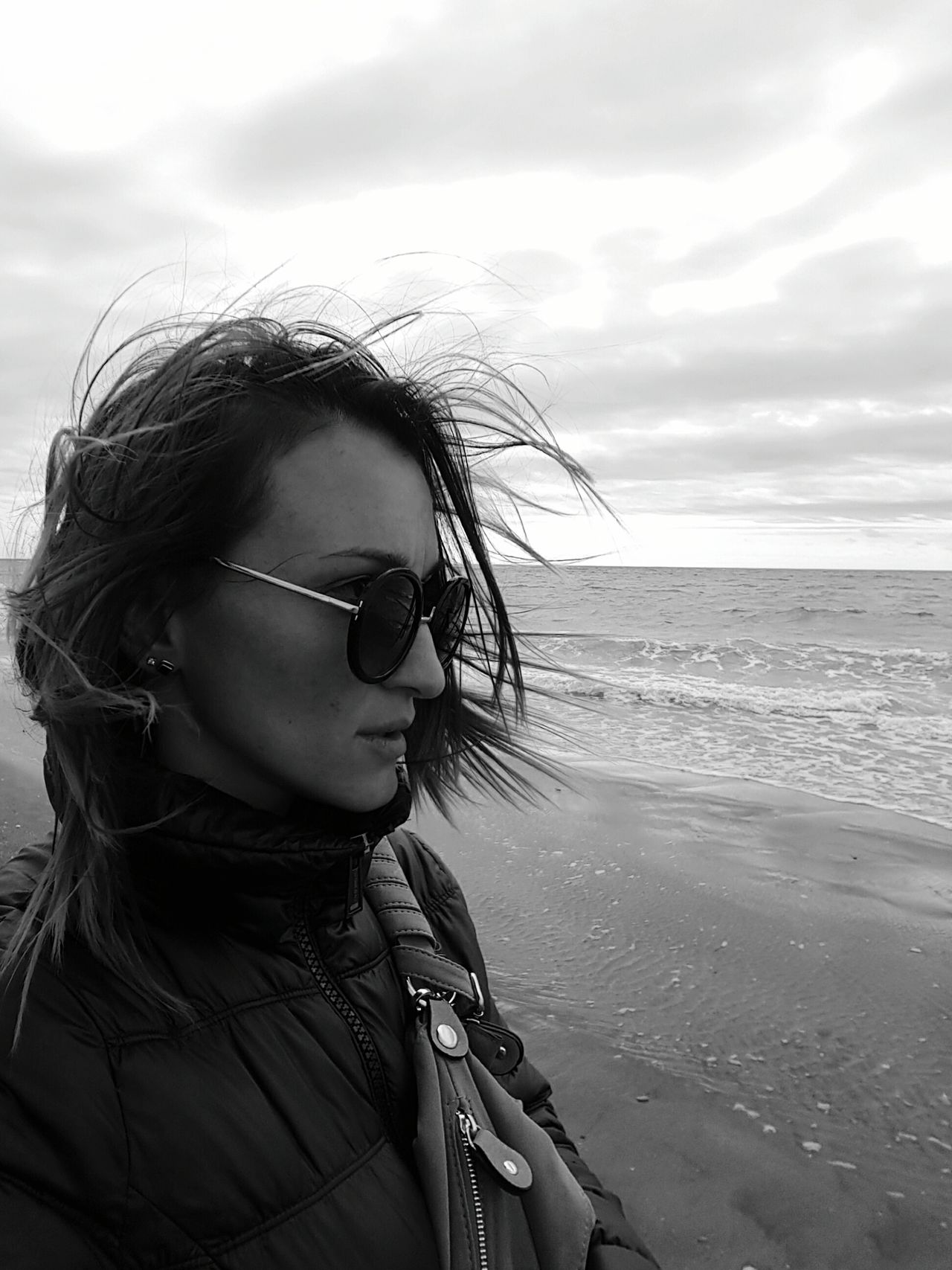 Beach Sea One Woman Only Sunglasses One Person Cloud - Sky Water Sky Horizon Over Water Women Sand People Adult Lifestyles Hair In The Wind Selfıe