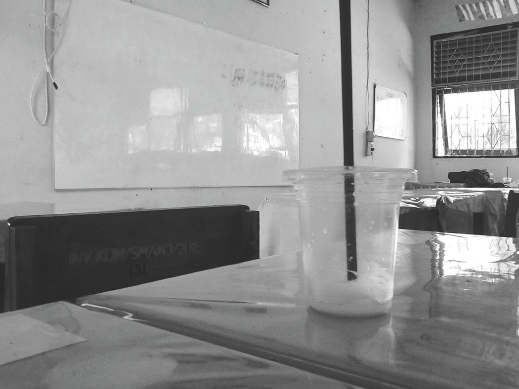 Taking Photos Hi! Hello World Check This Out Black And White Portrait School School Time  Blackandwhite Blackandwhitephoto Be Happy Drink Drinking Glass Icedrink