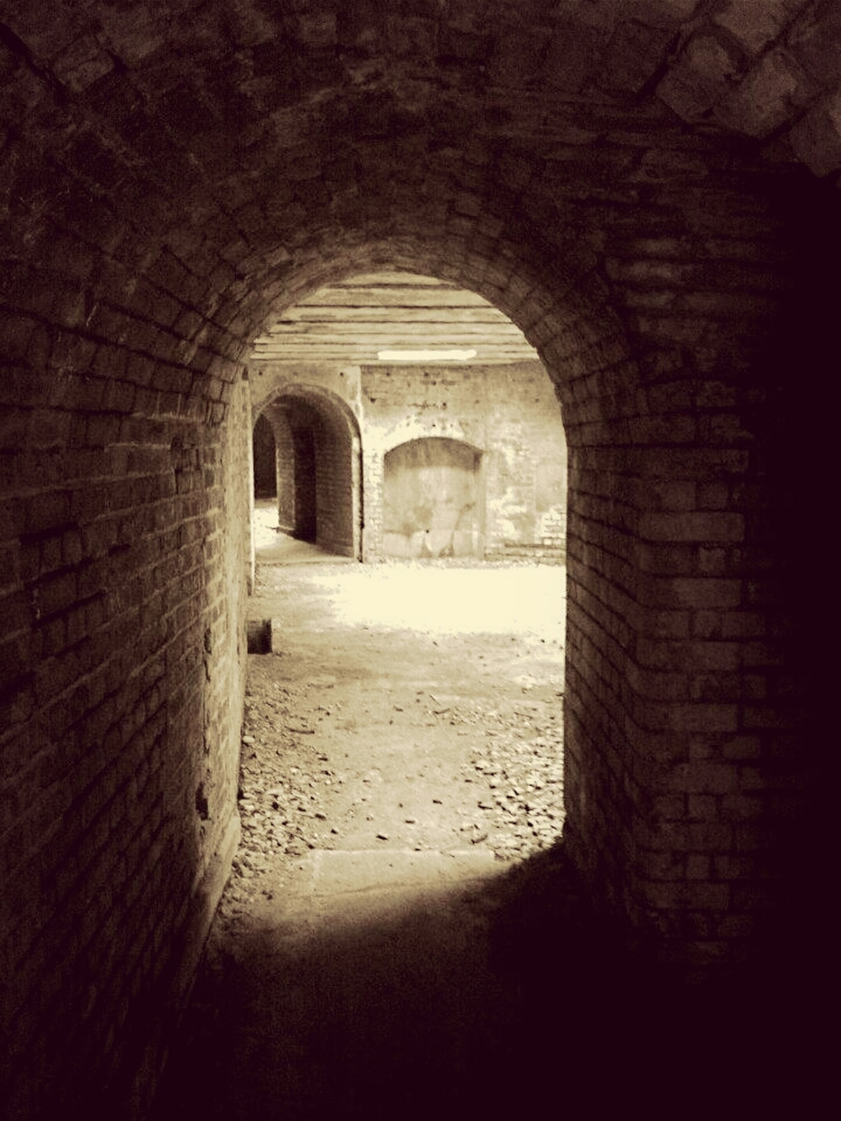 arch, architecture, built structure, indoors, archway, stone wall, history, arched, tunnel, the way forward, old, wall - building feature, old ruin, corridor, wall, day, brick wall, no people, sunlight, diminishing perspective