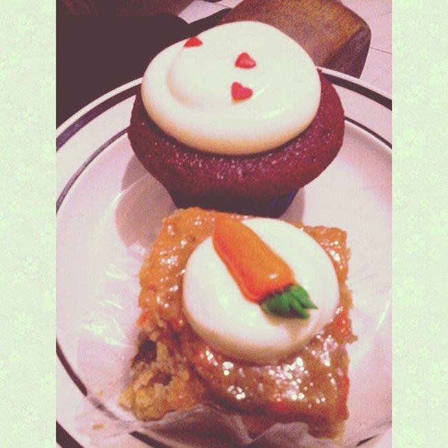 Carrot and Red Velvet cupcakes! 😍 ❤ 🎉 Thank you Tita Lola! @loramhie 😘 💕 Happykid FoodLovin PerksOfHavingAChefAunt 💕