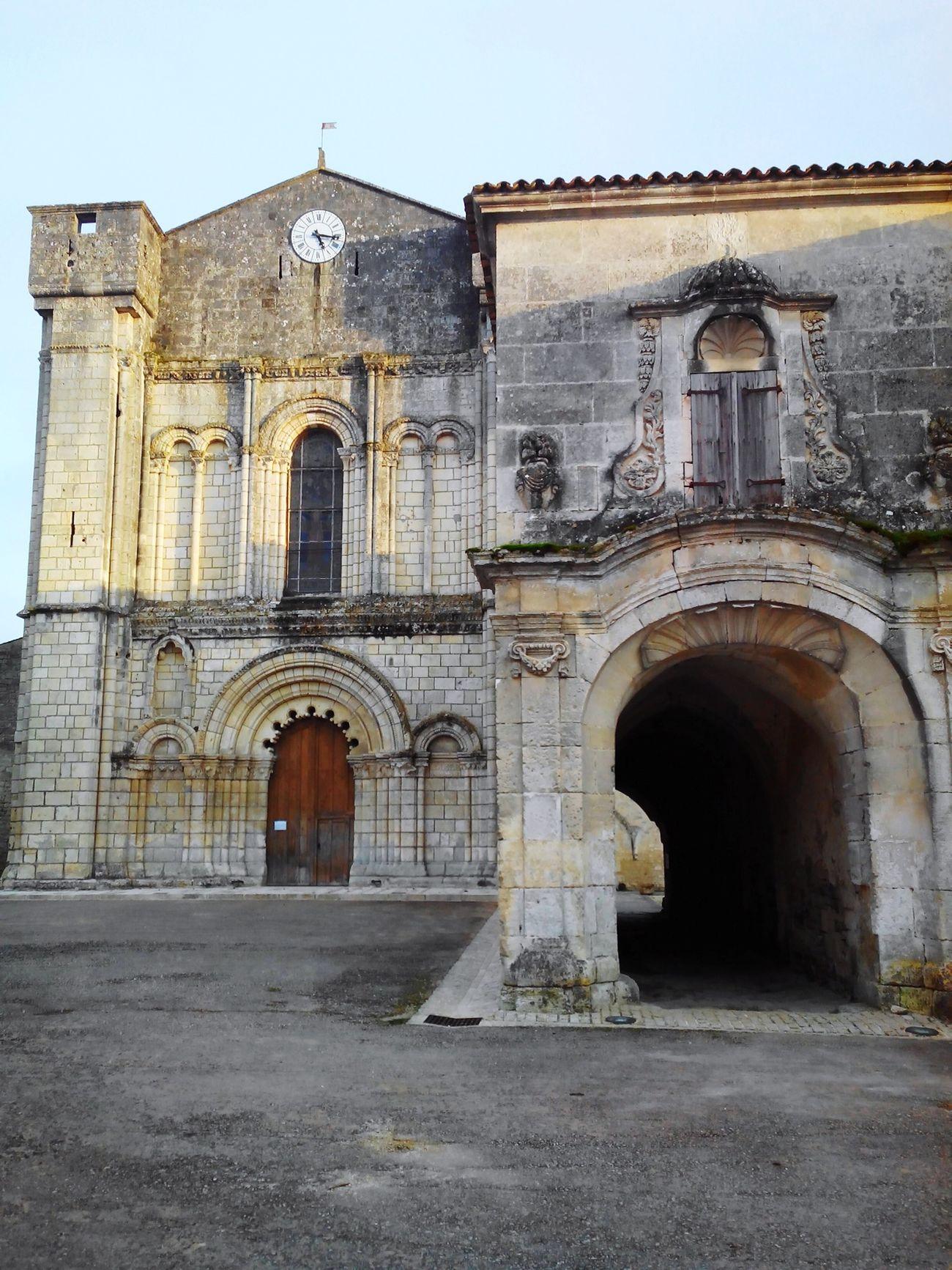 Abbaye de Bassac. Eglise Art Roman Exterieur Bassac Charente Wiko