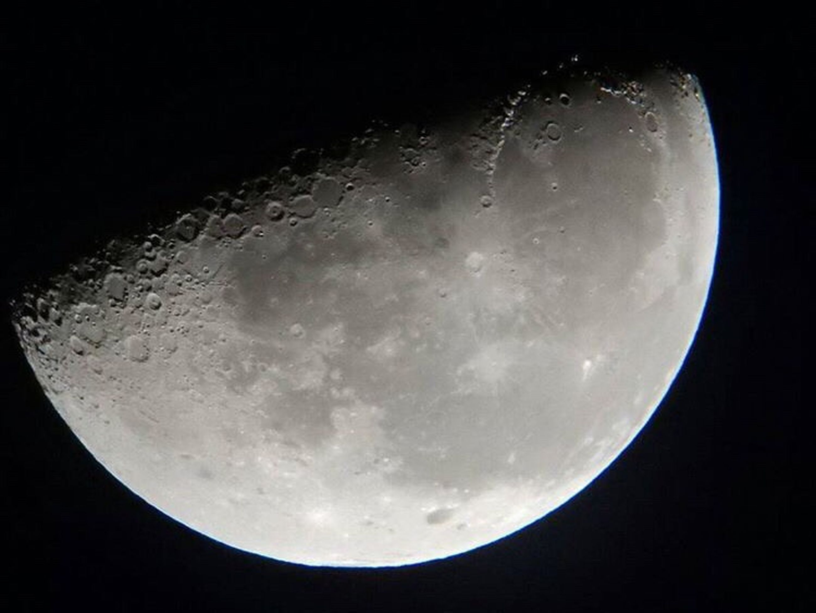 astronomy, moon, planetary moon, night, sky, moon surface, full moon, low angle view, space exploration, circle, beauty in nature, nature, sphere, scenics, tranquil scene, tranquility, discovery, majestic, space, dark