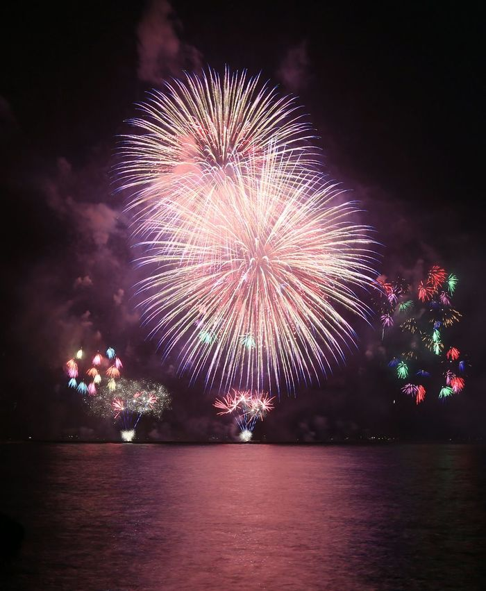 2017高雄港西灣花火秀 Firework Display Fireworks On Sea Frieworks Kaohsiung Sizihwan Kaohsiung Taiwan NewYear 煙火 高雄港 西子灣 高雄市 台灣