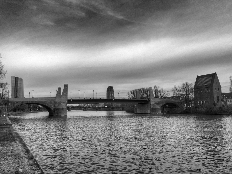 Eye4photography  Streetphotography EyeEm Best Shots Eye4black&white  Streetphoto_bw Blackandwhite Architecture Bridge EyeEm Best Edits River