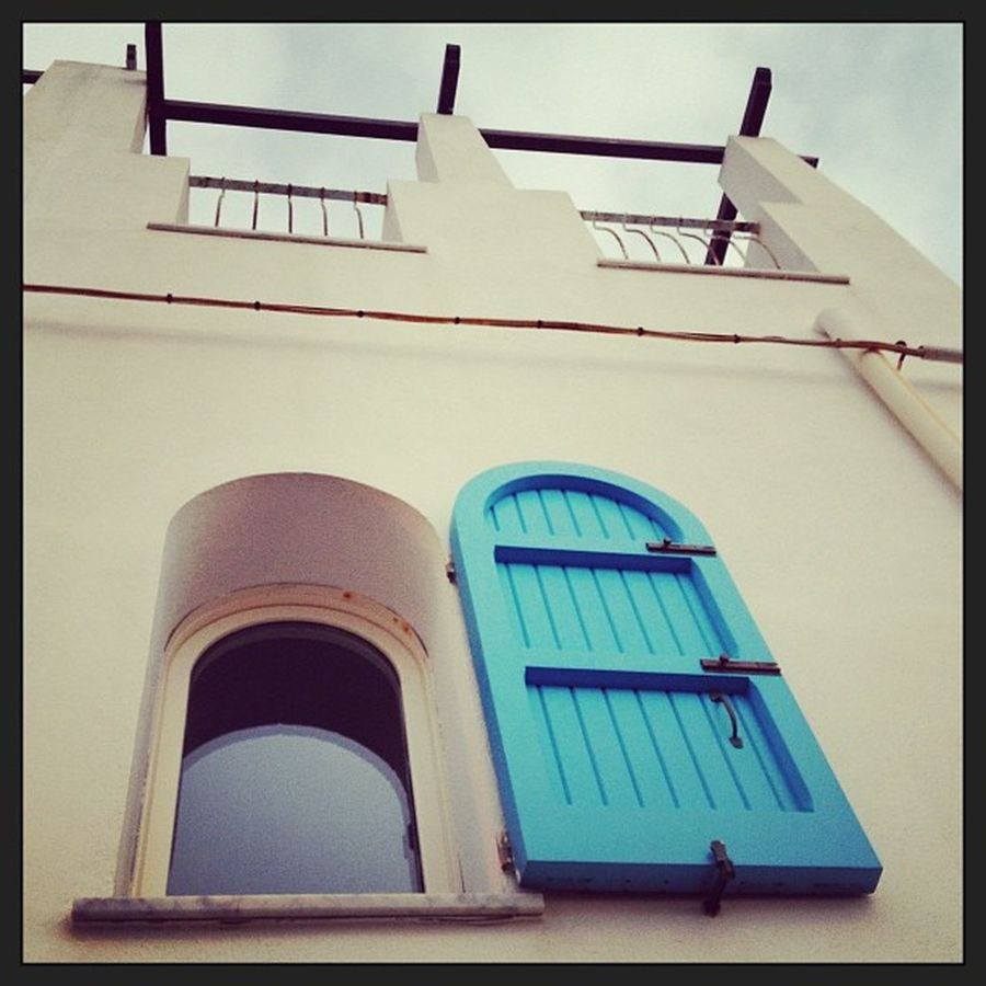 #alghero #sardegna #sardinia #bastioni #bluewindow #windows #houses #bythesea #whitewalls #dreamhouses Houses Windows Sardegna Alghero Sardinia Whitewalls  Bastioni Bythesea Bluewindow Dreamhouses