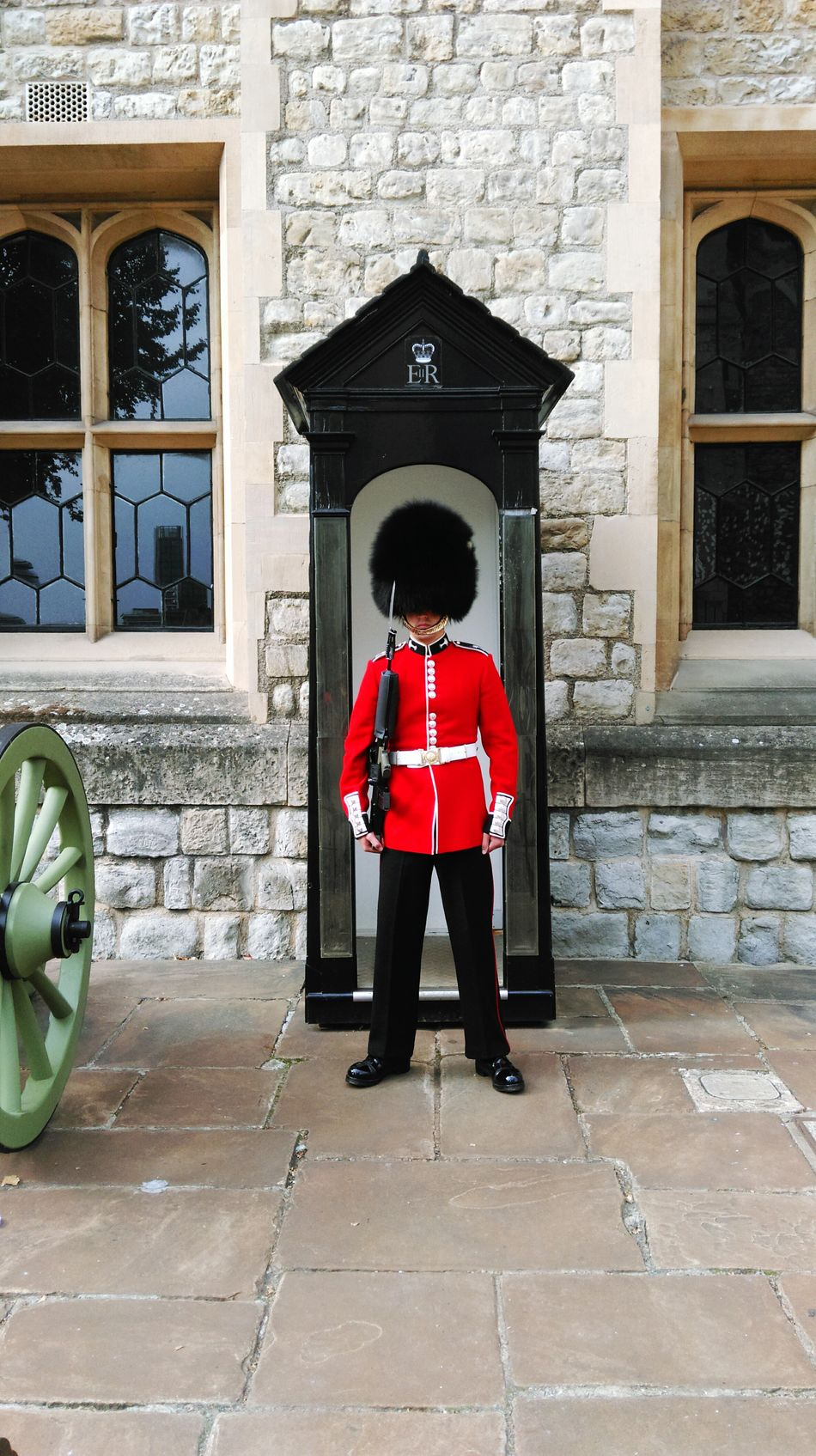London Lifestyle London Londonlife Military Uniform Red Arch London Tower Queens Guard Crown Jewels