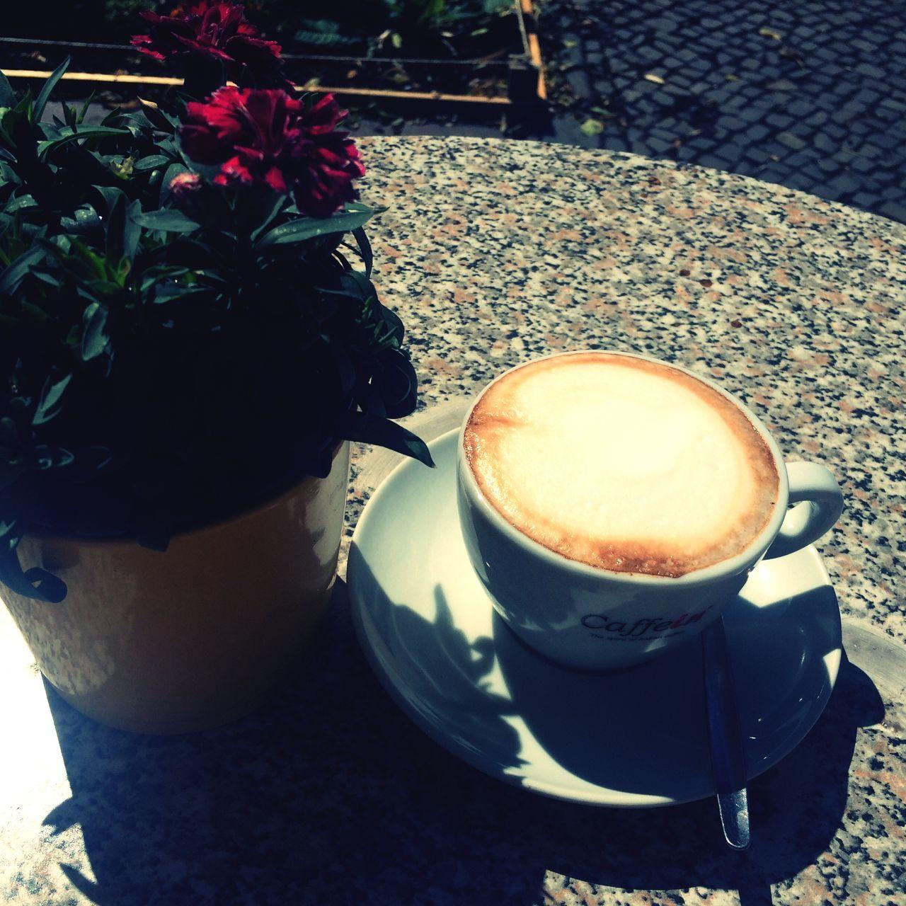 Neukölln s leckerster Cappuccino Coffee