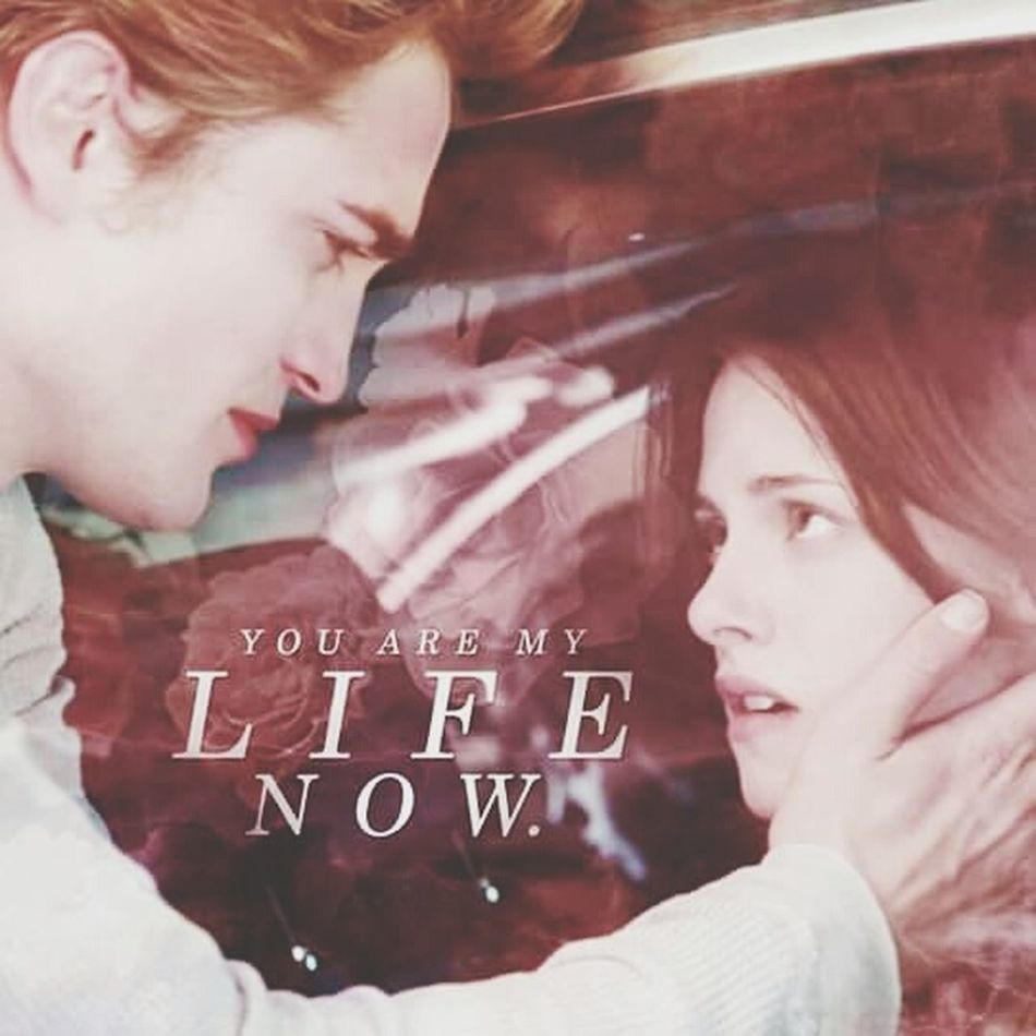 YOU'RE MY LIFE NOW TwilightSaga I Miss This Throwback Omg! Im Crying EdwardCullen BellaSwan Forever ♡