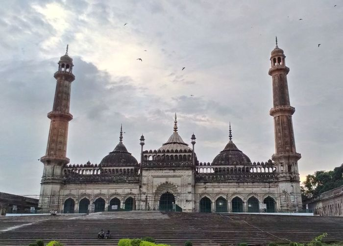 Aasifi Mosque History Monument Aasifi Mosque Lucknowdiaries Lucknow👌City Travel Destinations Clouds And Sky Weather Bird Mosque Minarets Dome Architecture
