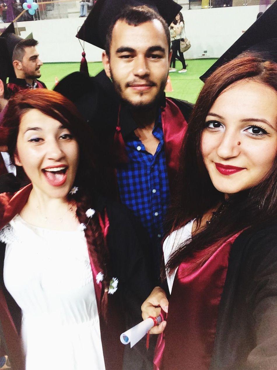 Mezun olduk🎓🎓 University Graduation Bff EyeEm Best Shots Bestfriend Faces Of EyeEm Followme Like Like4like Followback