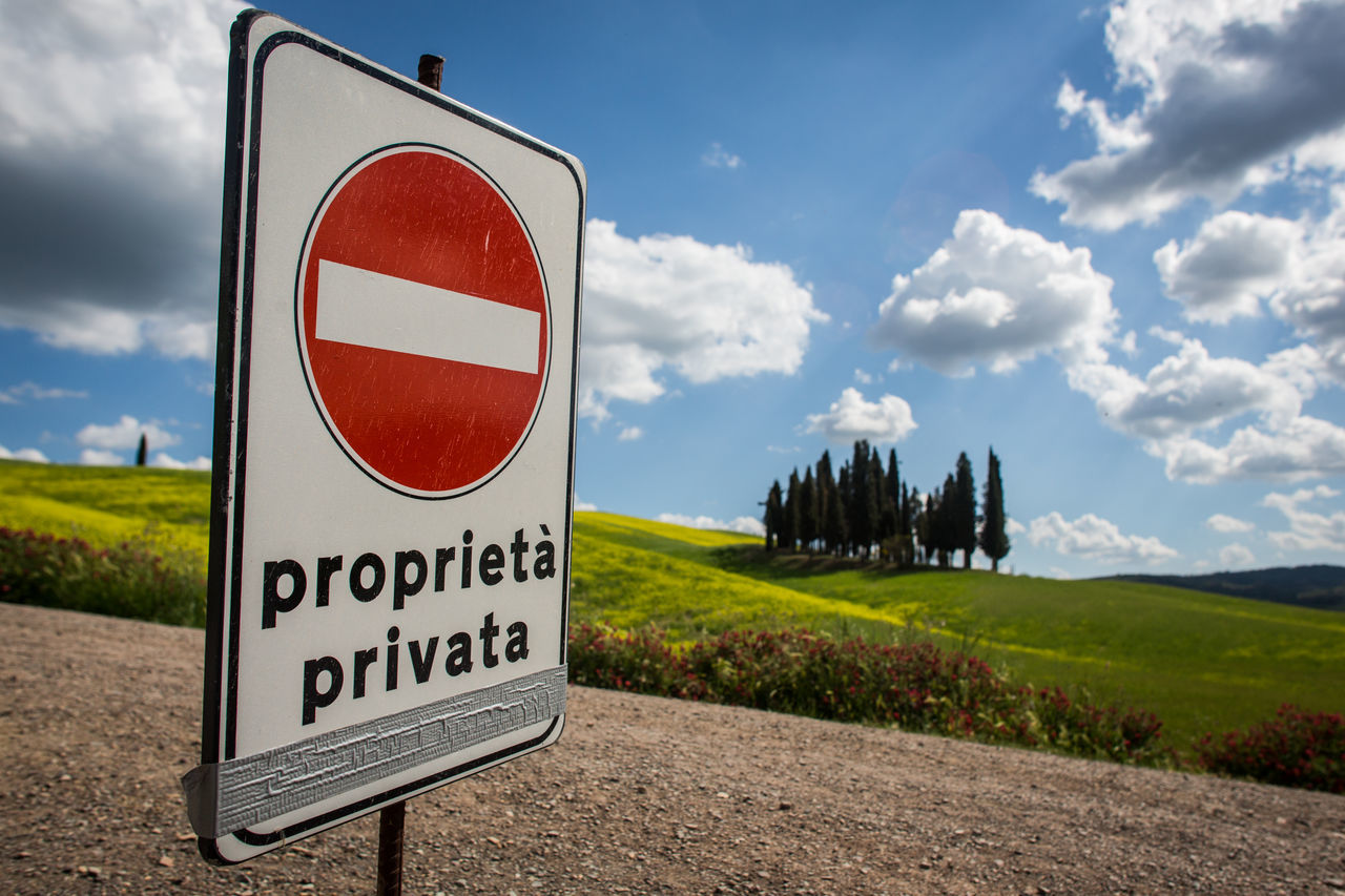 Tuscany classic re-edit. ;) Beauty In Nature Close-up Cloud - Sky Communication Day Exploring Field Grass Green Color Italy Nature No People Outdoors Road Sign Sky Speed Limit Sign Text Travel Destinations Travel Photography Traveling Tree Tuscany Tuscany Countryside Warning Sign