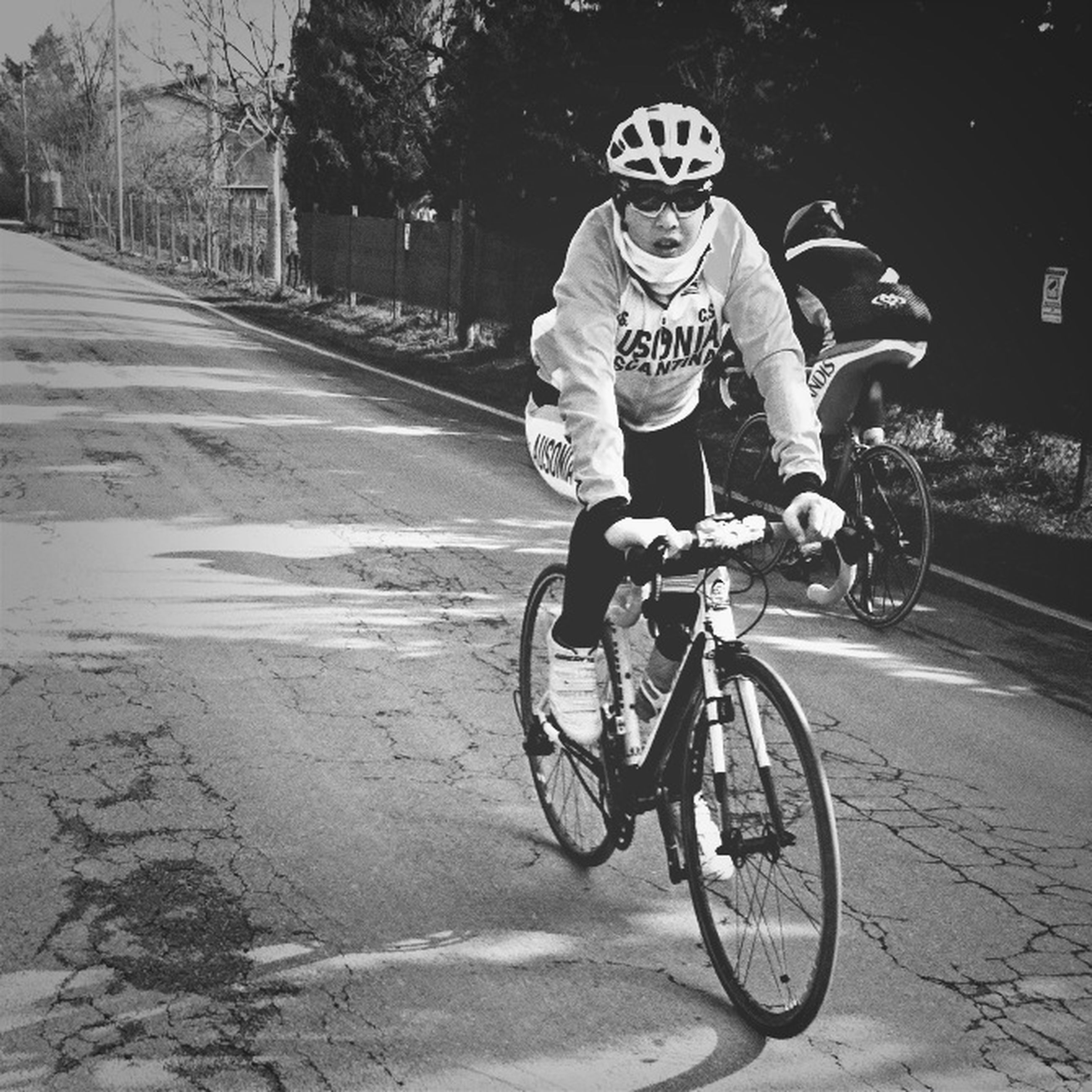 bicycle, transportation, mode of transport, land vehicle, riding, street, full length, cycling, lifestyles, leisure activity, road, on the move, stationary, men, travel, casual clothing, motorcycle, side view
